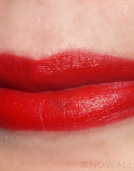 son-maybelline-color-sensational-creamy-matte-Siren-In-Scarlet-review-hang-xach-tay-US-1
