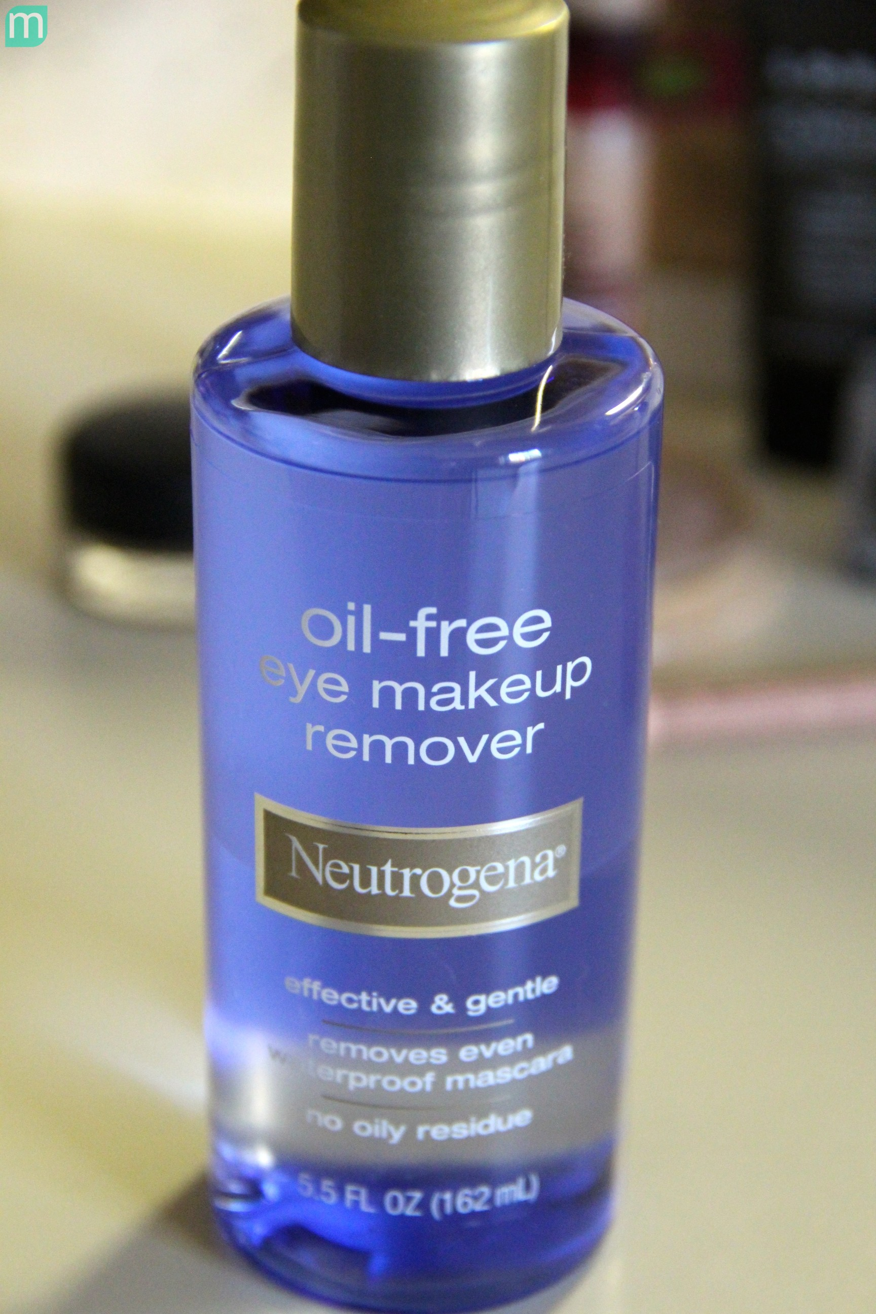 Neutrogena Oil Eye Makeup Remover Liquid Mugeek