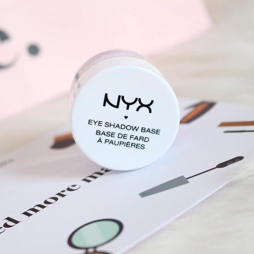 kem-lot-mat-nyx-eye-shadow-base