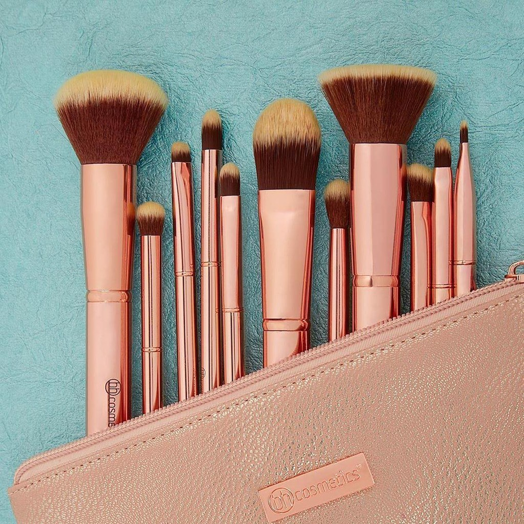9394d23a05f9 Set cọ BH Cosmetics Metal Rose 11 Piece Brush Set With Cosmetic Bag